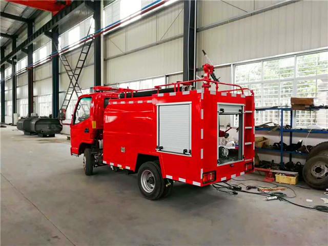 凯马2吨消防洒水车图片