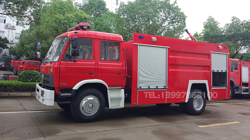 东风8吨消防车图片