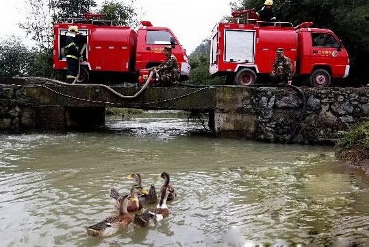 微型消防车如何解决水压过小的问题