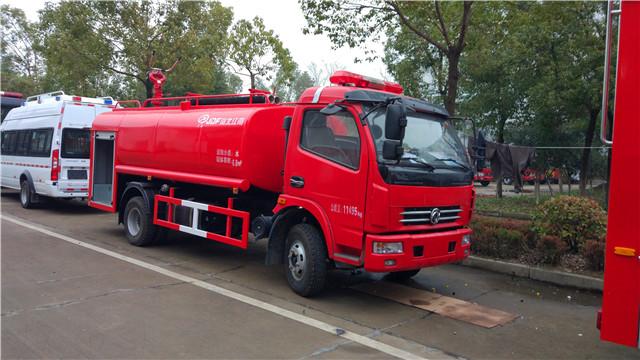 东风多利卡6.8吨简易消防车图