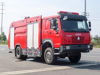 重汽豪沃四驱水罐消防车