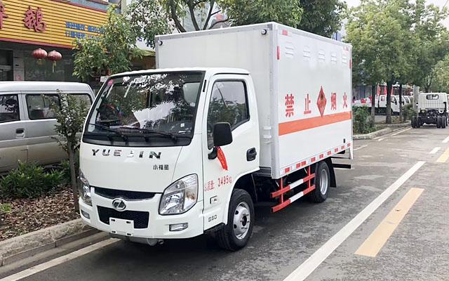 跃进小福星汽油版易燃液体运输车