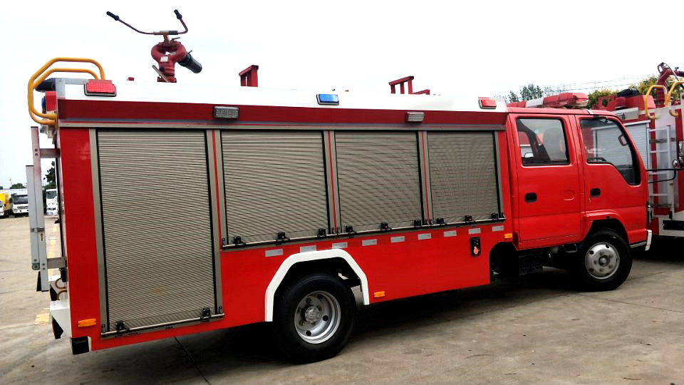 国六五十铃600P泡沫消防车图片