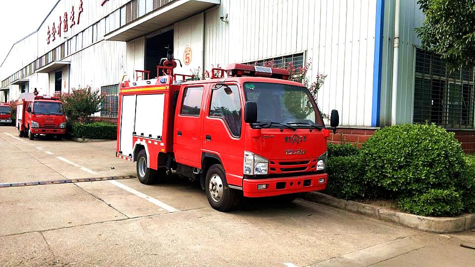 国六五十铃100P泡沫消防车图片