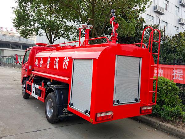 东风4吨国五消防洒水车后部图片