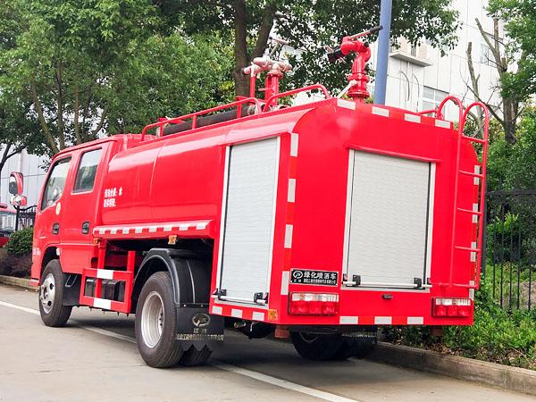 东风3.5吨双排消防洒水车后尾部图片