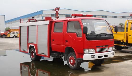 东风小霸王水罐消防车