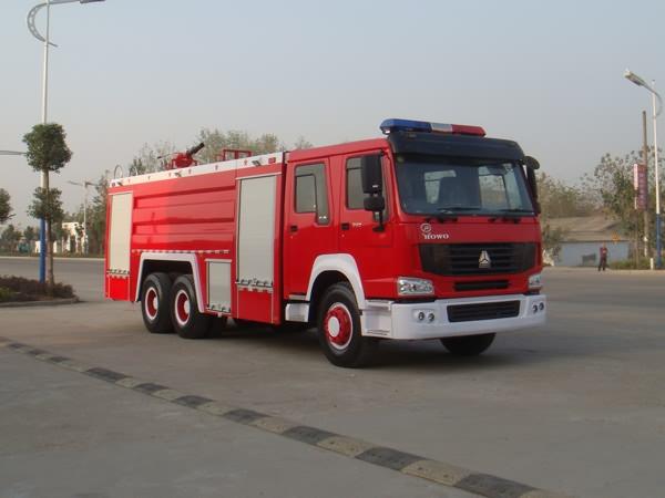 豪沃12吨水罐泡沫消防车
