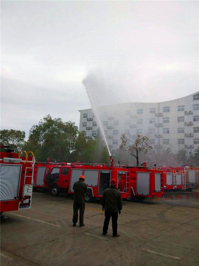东风3吨水罐消防车测试图