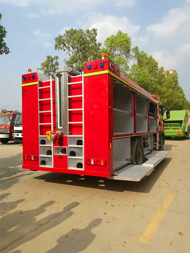 器材消防车