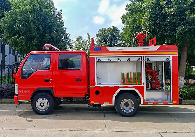 五十铃蓝牌消防车图片