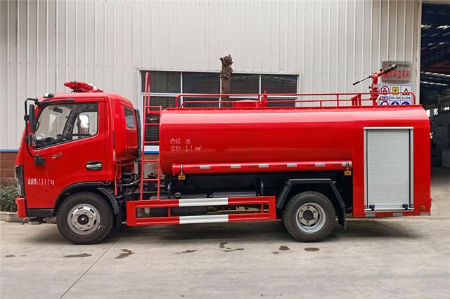 东风4吨消防洒水车后部图片