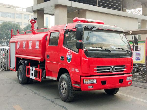 东风多利卡国五双排消防洒水车图片