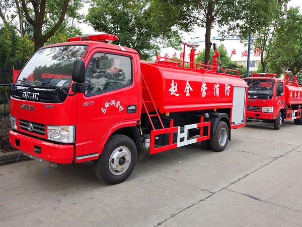 东风4吨消防洒水车图片