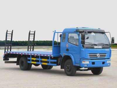 东风多利卡小型挖掘机运输车